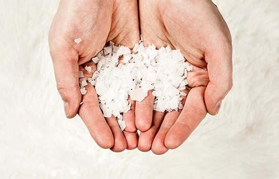 rituales para el dinero con sal