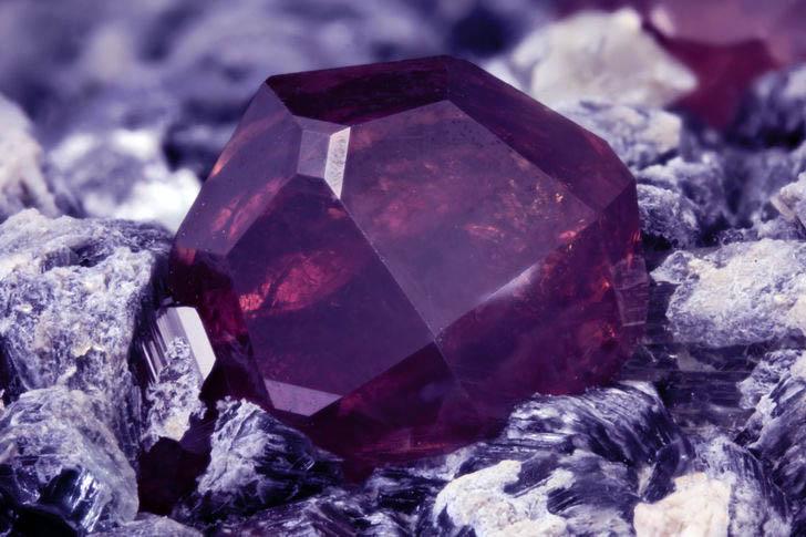 los materiales más caros del mundo, gemas