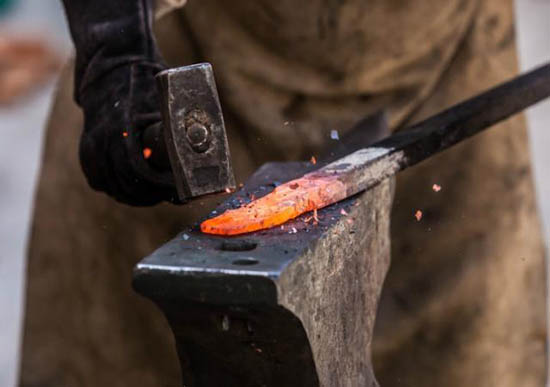 forjar espada acero